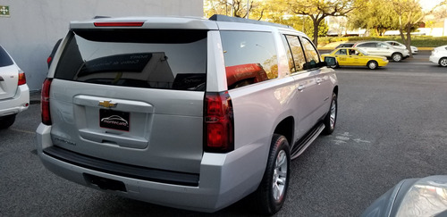 chevrolet suburban 5.4 lt piel at 2017