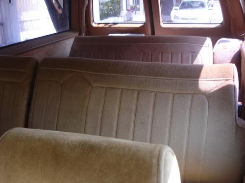chevrolet suburban año 1989 con 108,000 km