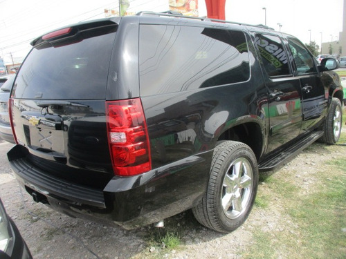 chevrolet suburban c, 8 pasj, color negro, modelo 2014