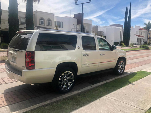 chevrolet suburban díamond edition