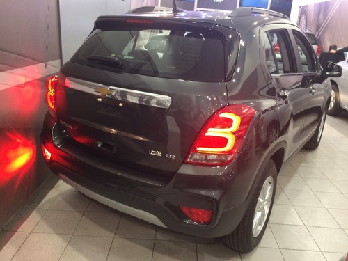chevrolet tracker 1.8 ltz 4x2 black friday mixto #p3