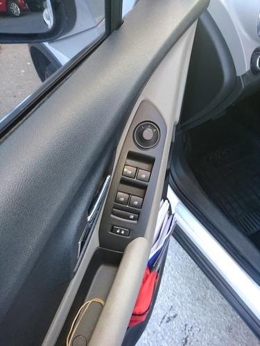 chevrolet tracker 1.8 ltz+awd a/t automática como nueva