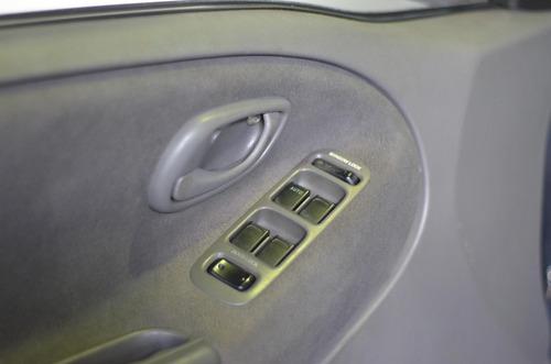 chevrolet tracker 2.0 4x4 16v gasolina 4p manual