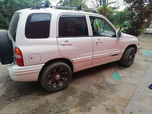 chevrolet tracker 2.0 b 4x2 mt 2000