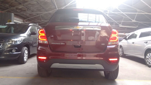 chevrolet tracker autos