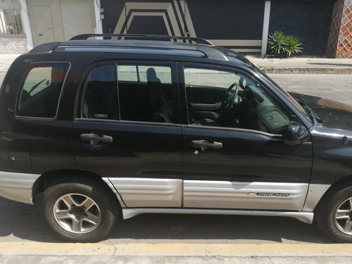 chevrolet tracker hard top cd v6 4x4 at 2002