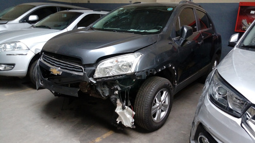 chevrolet tracker ltz 2014 chocado en marcha