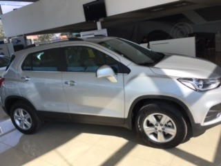 chevrolet tracker ltz + automatica  color gris