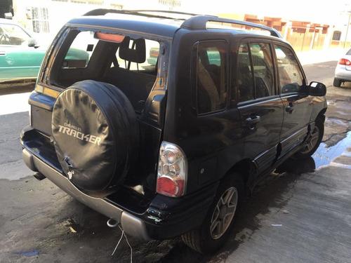 chevrolet tracker  v6 4x4 2004 para reparar