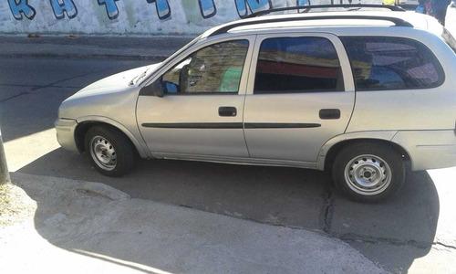 chevrolet wagon clasica gris