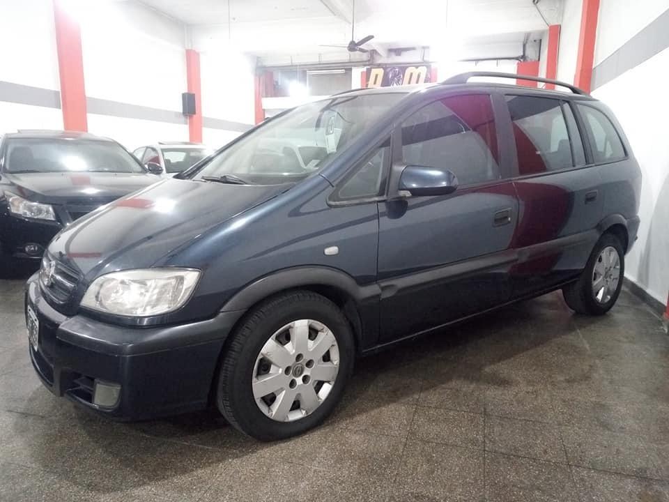 Chevrolet Zafira 20 7 Asientos 219000 En Mercado Libre