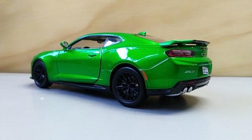 chevroleth camaro zl1 modelo 2017, escala 1/24, verde 18cms