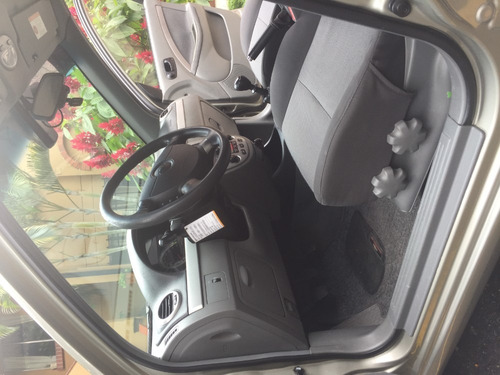 chevrotet optra advance 1600 sedan