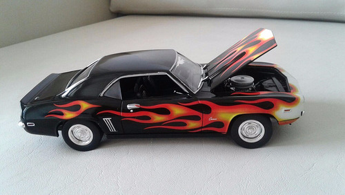 chevy camaro a escala, johnny lightning,hobbie coleccionable