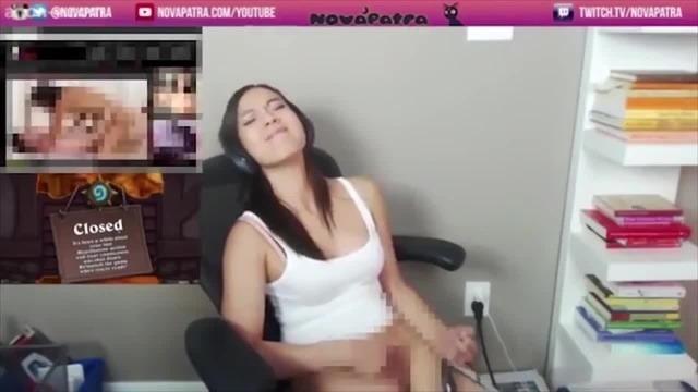 Chica Gamer Se Masturba -  1700 En Mercado Libre-3618