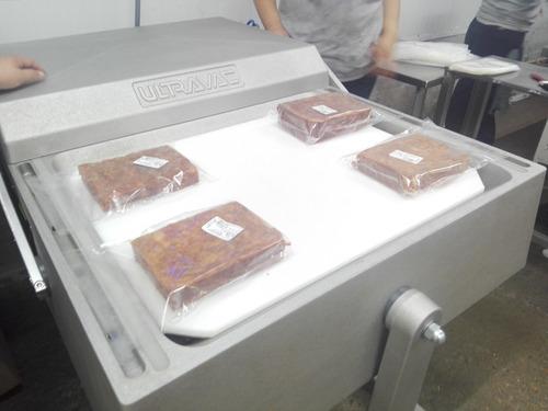 chicharron prensado 100 % de cerdo  caja de 20 kilos