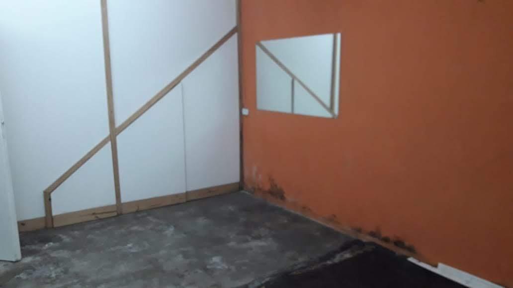 chile 300 - local - deposito . villa martelli - alquila