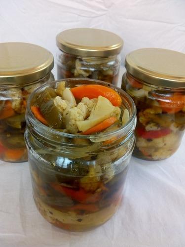 chiles y salsas 100% aceite de oliva.