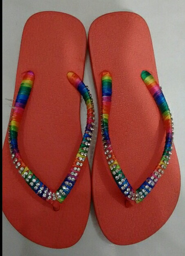 chinelas bordadas ou costomisadas