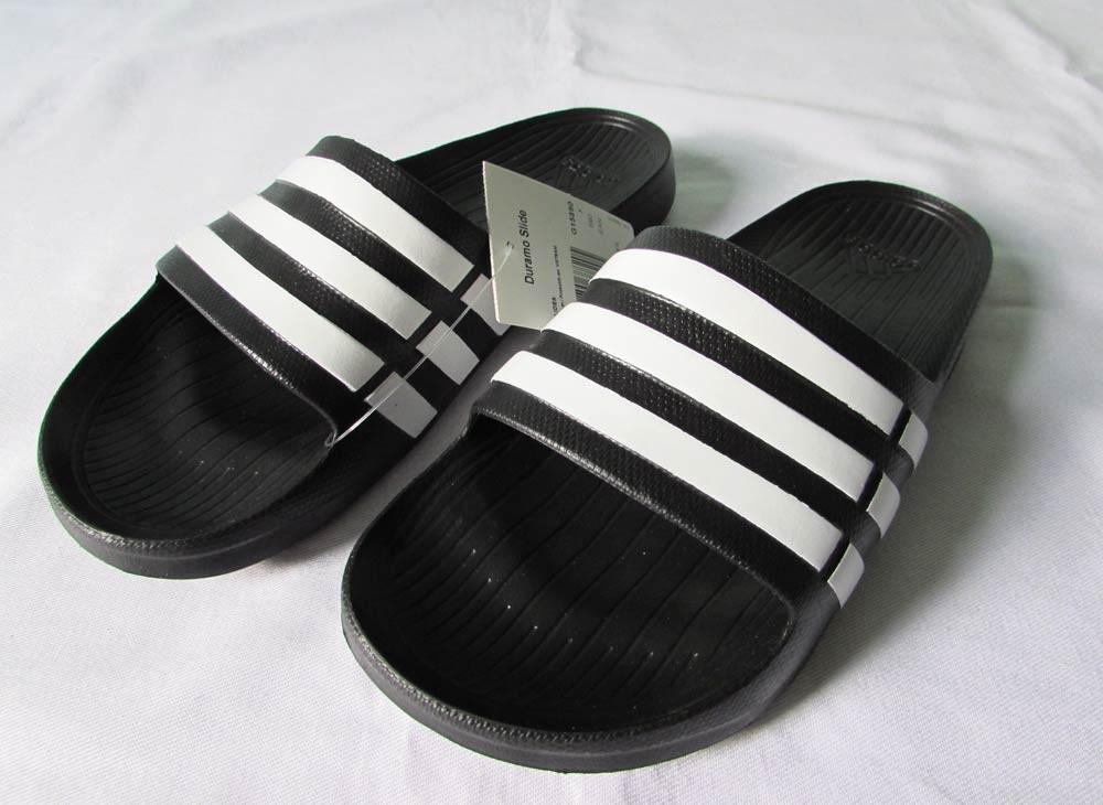 599d5938c75ba Chinelo adidas Duramo Slide Preto E Branco 36 - 37 - R$ 104,99 em ...