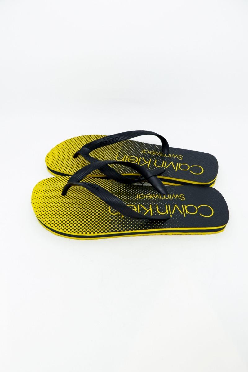 9fdc7958f7d92 Chinelo Calvin Klein Ckj Degradê Amarelo Ouro - R  71
