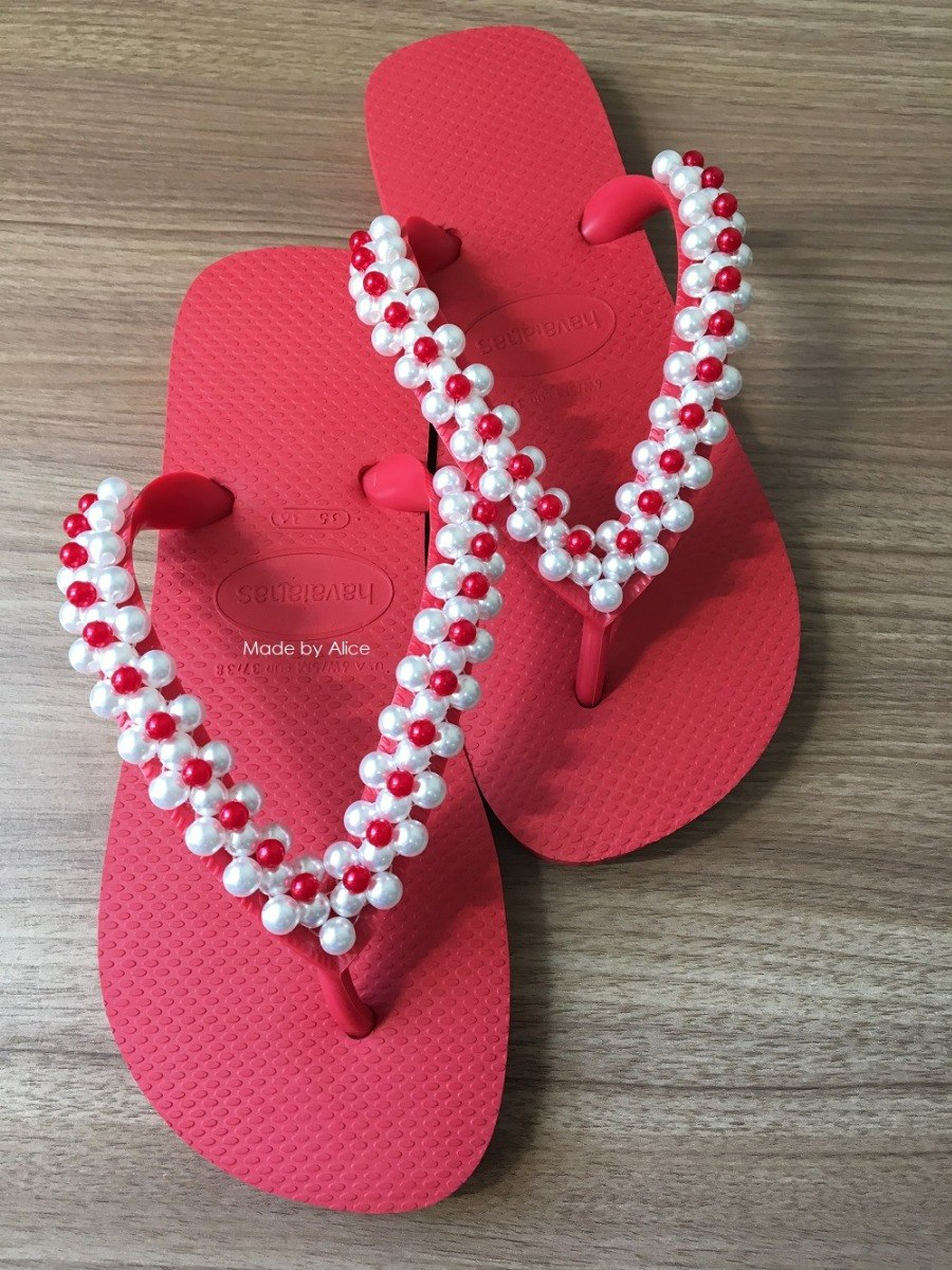 93cf515fb79966 Chinelo Decorado / Bordado Com Perolas Brancas E...