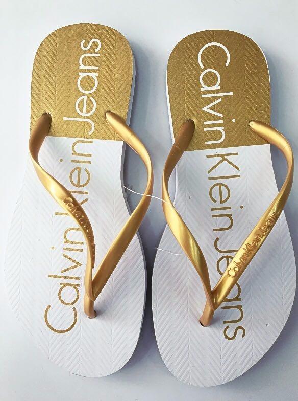 Chinelo Feminino Calvin Klein Jeans Original Verão 2018 - R  54,90 ... 829e4c8679