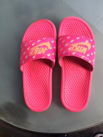 09bf460f9ba Chinelo Nike Benassi Rosa E Preto - Calçados