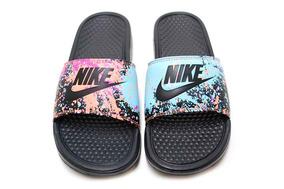 newest b0c9d b11ab Chinelo Nike Benassi Jdi Print