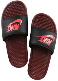 5d5e0880be7 Chinelo Nike Benassi Just Do It Vinho E Preto Original