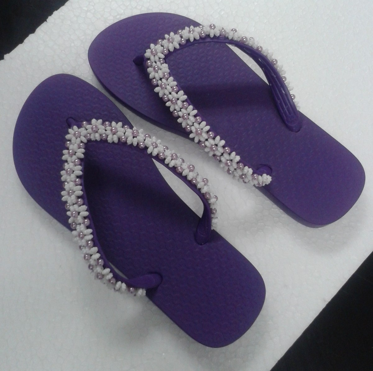 2e972dfb4b chinelo sandália decorada. Carregando zoom.