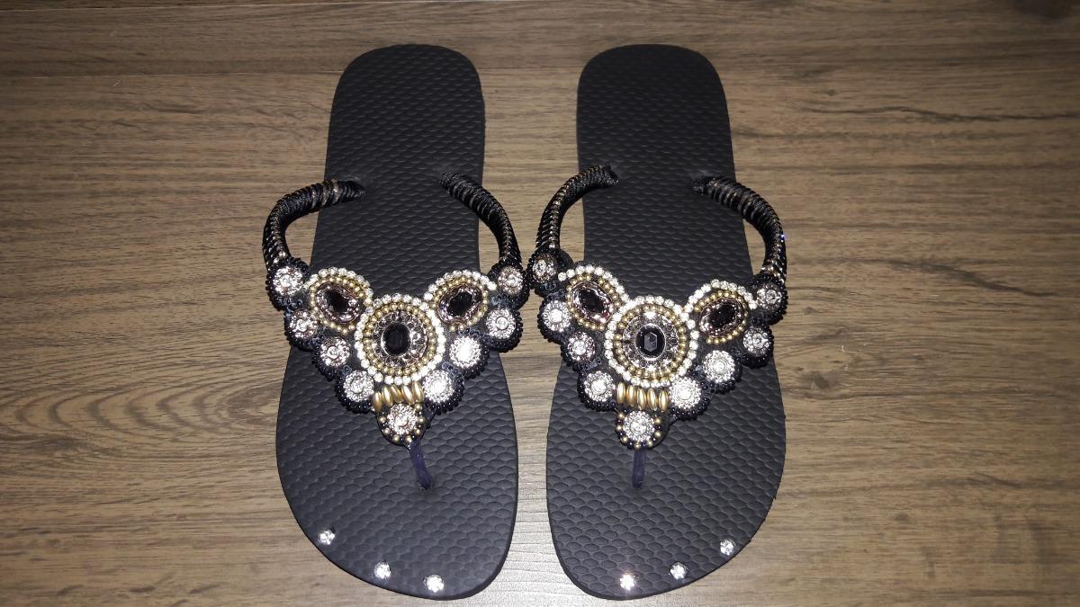 bc57759322 Chinelo Sandália Decorada Com Strass Ótimo Preço!!! - R  87