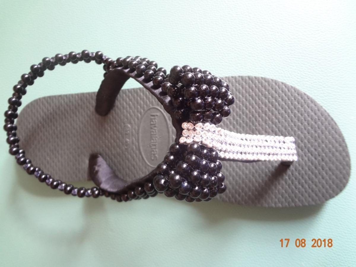 5c544d836b chinelo sandália havaianas top preta decorada. Carregando zoom.