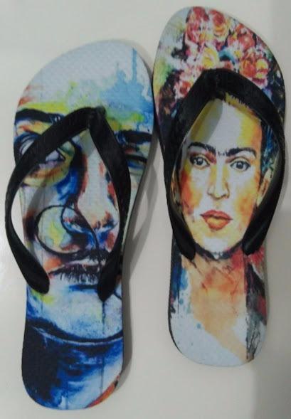 9325ee620 Chinelo Tipo Havaianas Personalizado Frida Kahlo E Dali - R$ 30,00 ...