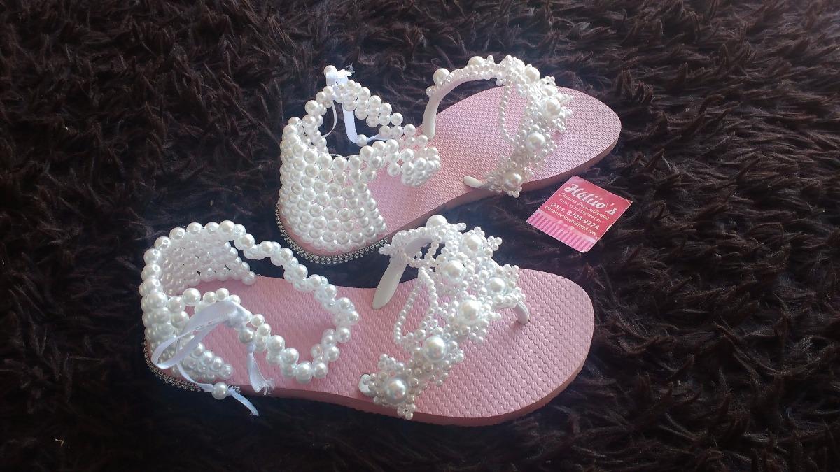 d6ca126a1b chinelo tipo sandália decorado com pérolas. Carregando zoom.