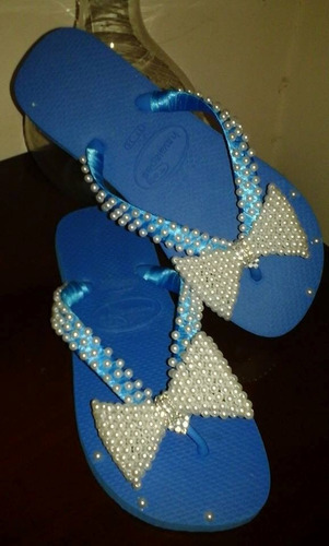 chinelos bordados a mão trabalhados com perolas!