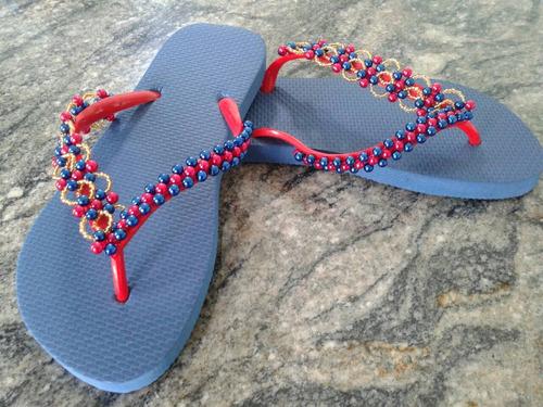 chinelos decorados com pérolas