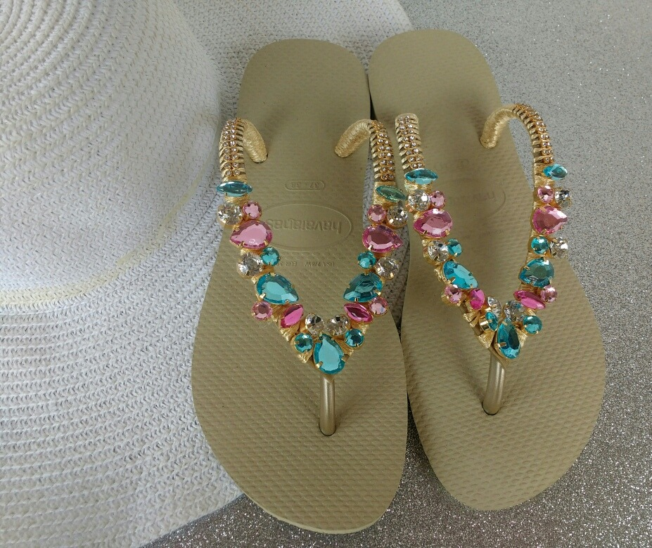 2bdb61873b chinelos sandálias havaianas decoradas barata. Carregando zoom.
