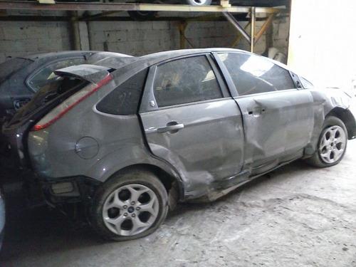 chocado ford focus 2.0  dado de baja total