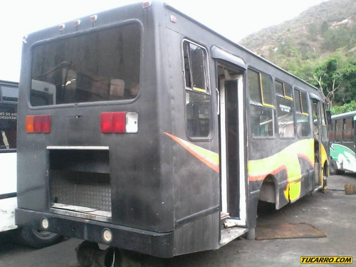 chocados autobuses 610