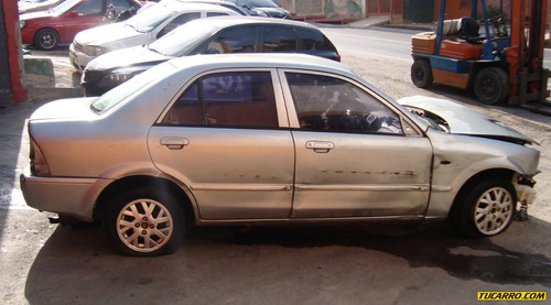 chocados ford laser 1.8