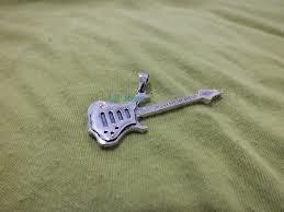chocker couro pingente guitarra