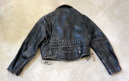 chompa cuero negra z. cavaricci  talla m