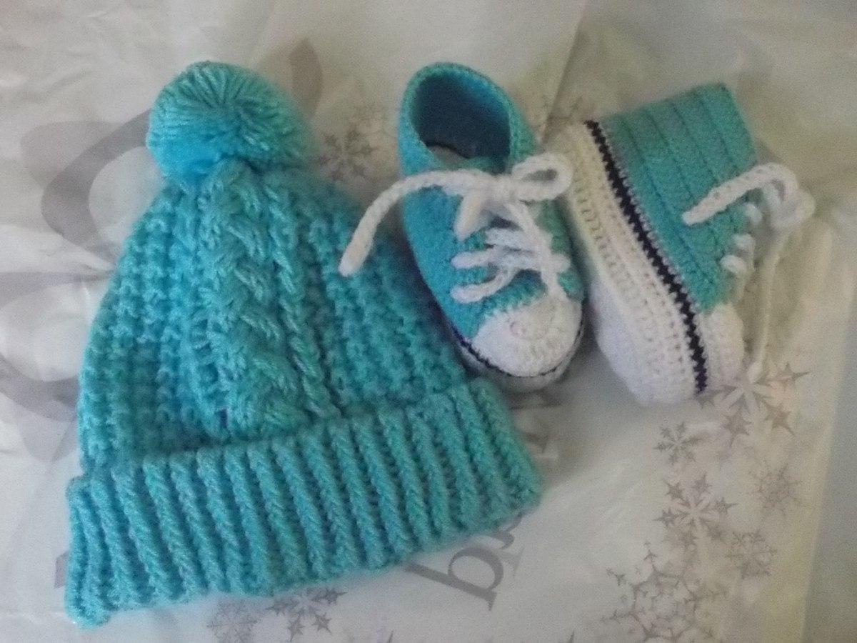 Chompita gorrita y escarpines tejidos a mano para bebe - Cambiador de bebe de pared ...