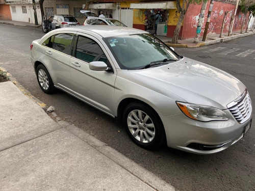 chrysler 200 2.4 touring 2012 4 cilindros