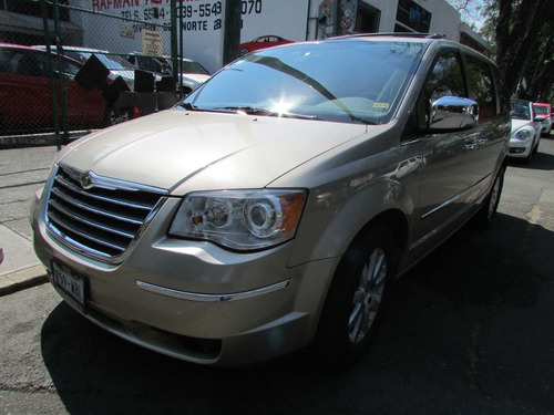 chrysler tow & country limited 2008  arena