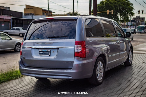 chrysler town and country 2013 7 as
