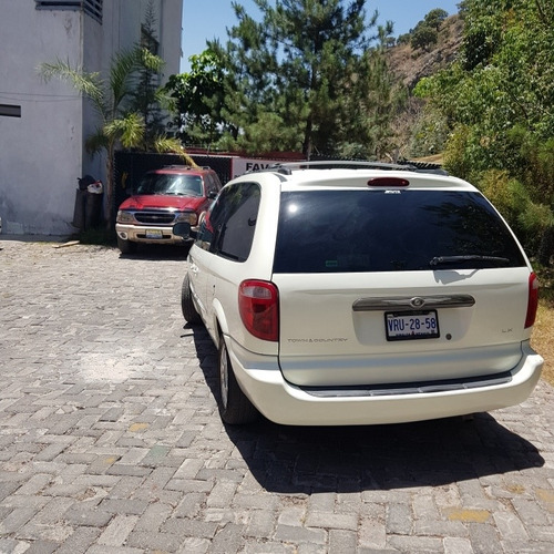 chrysler town & country 2003 3.8 lx mt