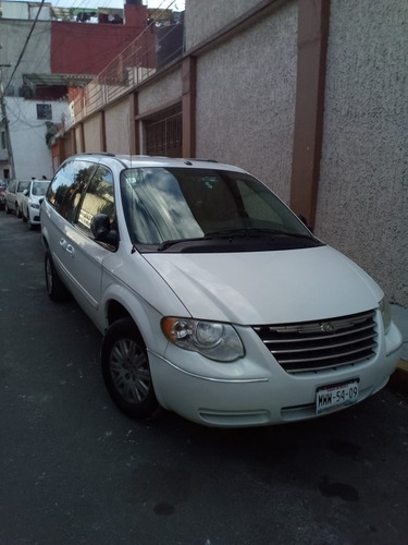 chrysler town country 2007
