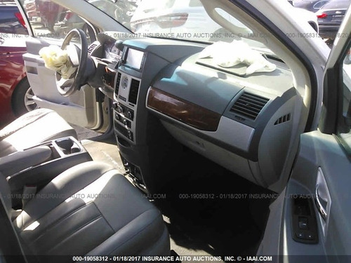 chrysler town & country  2008 se vende solamente en partes
